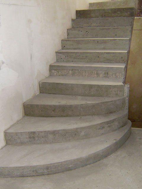 Бетонные лестницы на второй этаж своими руками